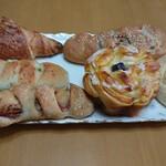 マルリ ブレッド カフェ - 料理写真:購入したパンです!