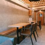 インザベース カフェ&バー - 内観写真: