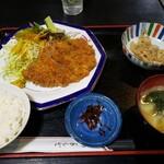 レストラン梢 - 料理写真:豚カツ定食