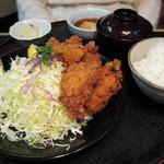 とん鈴 - カキフライ定食(1575円) 12.01.17.