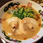 福ヤ - 料理写真:とんこつ久留米ラーメン!博多ラーメンと違い臭みが少ない!
