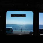 119733972 - 江ノ電の車窓