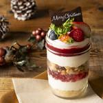 ジンナンカフェ - ストロベリーチーズケーキジャー