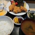 串揚げ 居酒屋 ふさお - 鶏もも唐揚げ定食(1000円)