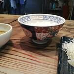 ビストロ フライデーソックス - どこかの牛丼チェーンみたいな丼が面白い!