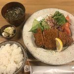 米平 - 料理写真:とんかつ定食(1,200円)