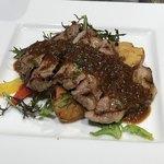 スペイン産赤豚のステーキ シャリアピンソース