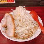 郎郎郎 - 郎郎郎ラーメン普通盛(690円)野菜マシ