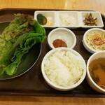 李朝園 - 石坂サムギョプサル定食