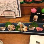 ろばた焼 磯貝 - 刺身盛り2人前2700円