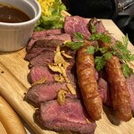 ステーキ&ローストビーフ食べ放題 個室 肉バル MEATBOY N.Y - シェアミート!3種のステーキ盛り合わせ