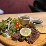 ステーキ&ローストビーフ食べ放題 個室 肉バル MEATBOY N.Y - タンステーキ
