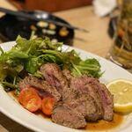 ステーキ&ローストビーフ食べ放題 個室 肉バル MEATBOY N.Y - 馬タタキ