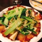 二階の中華 - 干し肉と青菜とキノコの炒め