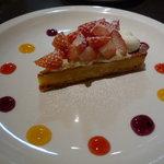 THE CAFE - ☆キラキラした印象で苺も甘めで美味しゅうございます☆