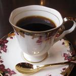 トムズ - 食後のコーヒー