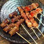 たなべ - 料理写真:牛ごぼう・鶏せせり・豚トマト(全6本¥800)。いろんな肉を食べ比べられるのが楽しい