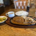 栗の里 - 料理写真:ハンバーグとラムガーリック