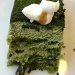 オークラカフェ&レストラン メディコ - 抹茶のケーキ 断面
