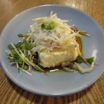 佳酒真楽やまなか -  お通し チーズ豆腐 500円 (2019.11)
