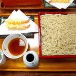 萩の茶屋 - 天もりそば(大盛¥1760)。信州八ヶ岳産の新蕎麦、いただきます