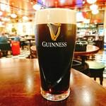 IRISH PUB Peter Cole -