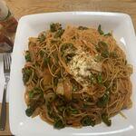 銀華亭 - 「メガナポリタン」上から。この「spaghetti」からは、茹で置き熟成のもちもちした感じでも、al dente のコリッとした感じでもない、独特の弾力感が感じられた。