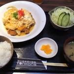 豚公司 堀江 - 2012/3/10 本日のサービスランチ カツ煮定食 800円
