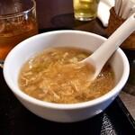 中国菜 膳楽房 - 【台湾屋台風 魯肉飯(スープ付き)@820円】スープ