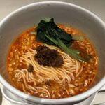 四川飯店 - 「お好みセット」2200円のハーフ担担麺