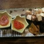 酒縁川島 - 料理写真:酒粕チーズと塩辛のセット