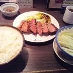 牛たん炭焼き 利久 - 牛タン極焼定食(12年3月)