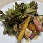 oldway stew restaurant - 前菜サラダ。根菜は素揚げしてある。