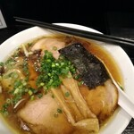 ラーメン角屋 - 料理写真:鯖だしチャーシューメン。サバの風味がドカンと来る。