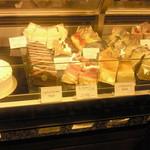 パティスリーヴィヴィエンヌ - ショーウィンドウのケーキたち 3