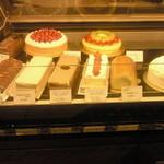 パティスリーヴィヴィエンヌ - ショーウィンドウのケーキたち 4