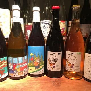 自然派ワイン(ナチュールワイン)と全国各地の豊富な日本酒!