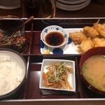 Hakatanyukomatsu - 鶏天ランチ、990円