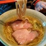 梅花亭 - #20~25程度の細ストレート自家製麺とスープの相性抜群
