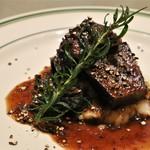119873031 - ◆備前黒牛スネ肉の赤ワイン コショウ煮込み ペボーゾ 1,800円(税別)