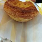 O-Factory & Cafe by eggcellent - ぱりぱりの層の中にとろとろカスタード。間違いない美味しさ!