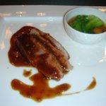 11988893 - フランス産仔鴨胸肉のポワレ 赤ワインソース