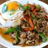 カフェ ガパオ - 料理写真:豚肉ガパオご飯(パッ・ガパオ・ムー・ラーカオ・カイダーオ)