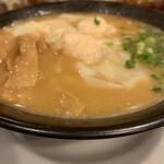 119880463 - 濃厚スープ、写真で表面張力が伝わるだろうか?