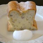 カフェ スワロー - バナナシフォンケーキ