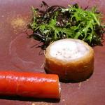 レスペランス カヤモリ - 北海道産アンコウのカダイフ巻き リコッタチーズと赤パプリカ サラダ