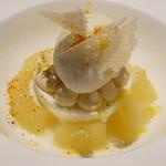 レスペランス カヤモリ - 洋ナシのコンポート ヨーグルトとレモンのムース レモングラスのアイス