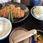 とんかつ開花亭 - 料理写真:たから豚のロースカツ定食