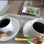 レストラン湖水 - タリアセンコーヒーとわらびもち