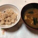 旬香 魚佐太 - 赤飯とお味噌汁
